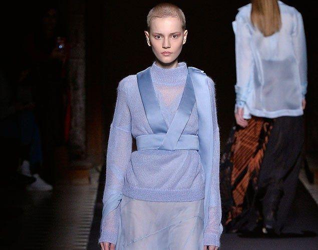 2016 sonbahar trendleri Paris Moda Haftası'nda moda tutkunlarıyla buluştu. Daha önce New York, Londra ve Milano podyumlarında gözümüze çarpan detayları yorumlamıştık, şu anda ise sıra Paris defilelerinde!