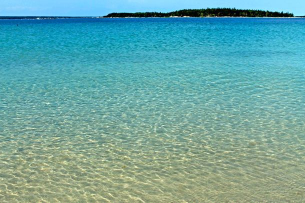 Nova Scotia Beaches | The white sands of Carter's Beach in Nova Scotia make it a Canadian ...I would have never thought this kind of beach is in Nova Scotia