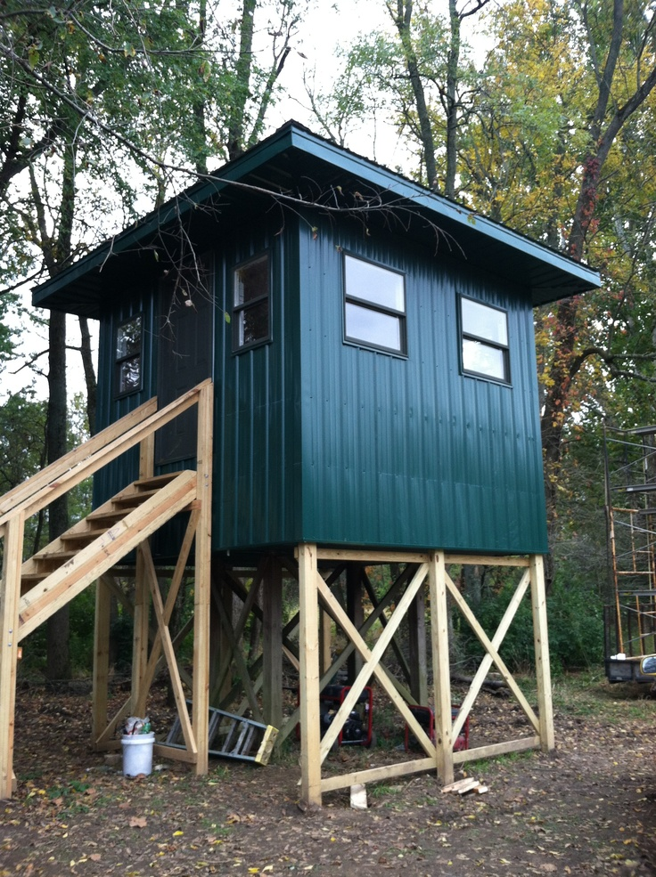 My Dad S New Hunting Shack Maybe He S Taking It A Little Far Fun Ideas Hunting Stands