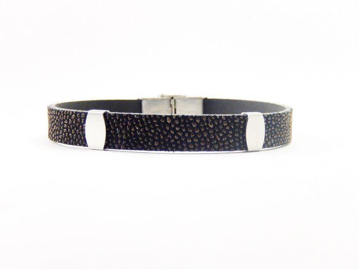Les 25 meilleures images de la cat gorie bracelets en cuir pour homme sur pinterest for Bracelet cuir homme luxe