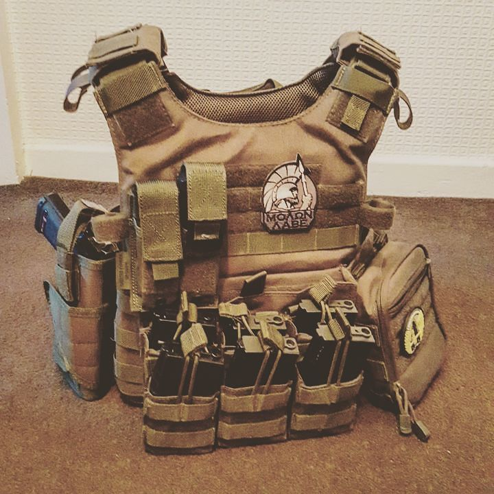 Plate carrier is complete! #airsoft #airsoftinternational #novritsch…