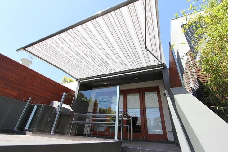 Große Kassettenmarkise für Terrasse Leiner Fino, grau-weiß gestreift