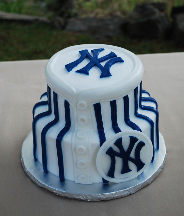 Top 23 ideas about Yankees Cakes on Pinterest New york ...