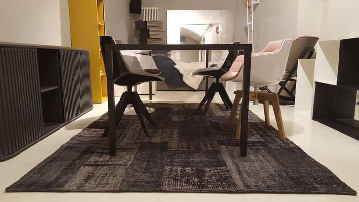 OPERART suggestive design - Show-room Expo 2016 Mdf Italia_Tense + Flow chair Tappeto patchwork