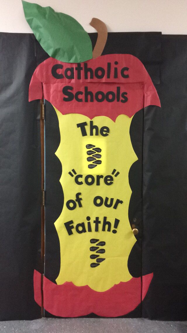 Catholic Schools Week 4th grade door decoration !