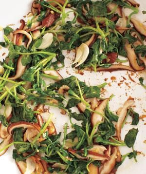 Gingery Sautéed Watercress and Shiitakes Recipe: Side Dishes Recipe, Gingeri Sauté, Sauted Watercress, Gingeri Sauted, Shiitak Recipe, Sauté Watercress, Maine Dishes, Mushrooms Recipe, Recipe Yummytomytummi