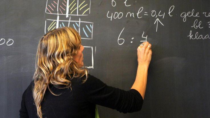 Een op de acht leraren is op zoek naar een andere baan in een andere sector door de hoge werkdruk en het lage salaris. Ook willen zij wisselen van baan omdat ze bij hun huidige werk vaak moeten overwerken.