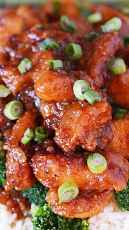 Crock Pot General Tso's Chicken ~ Tastes even better than the take-out version and cuts a lot of the calories, to boot!