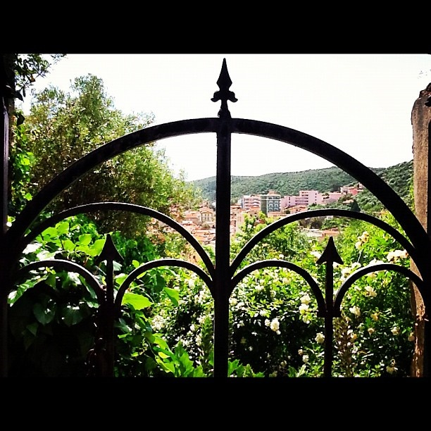 Castello Salvaterra di Iglesias si gode di una bellissima vista sulla città - @sardegna_com- #webstagram