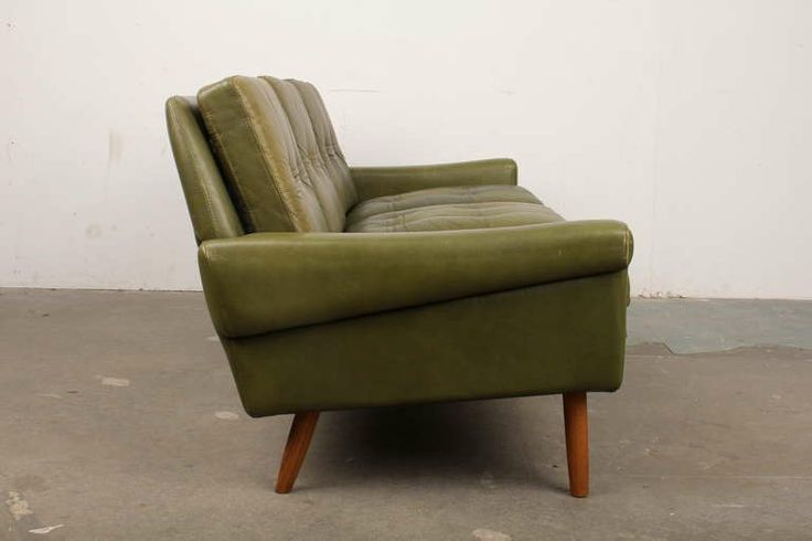 1000 Ideas About Modern Leather Sofa On Pinterest Discount Furniture Leather Sofas And Buy Sofa