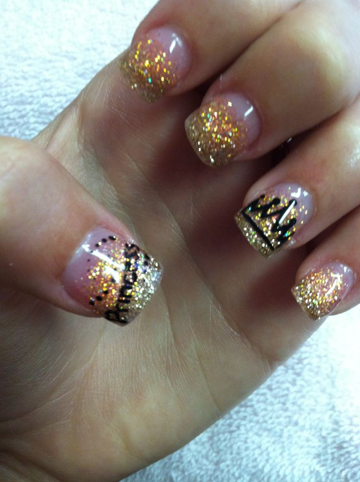 Princess nails #crown #glitter #ombrè would love this w/ dif color glitter tho