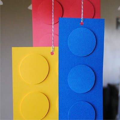 Easy hanging Lego decorations: Food Tables, Hanging Decor, Lego Decor, Parties Ideas, Daisies Parties, Lego Birthday Parties, Lego Parties Decor, Birthday Decor, Birthday Ideas