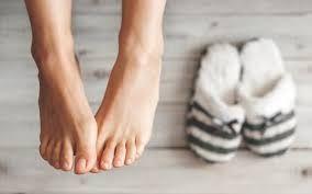 Pielęgnacja skóry stóp w sezonie jesienno-zimowym, http://akademiaurody.o12.pl/pielegnacja-stop-w-sezonie-jesienno-zimowym/