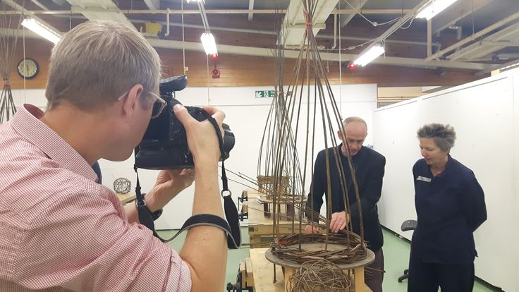 Professional photographer Chris Ison visits our willow weaving short course.