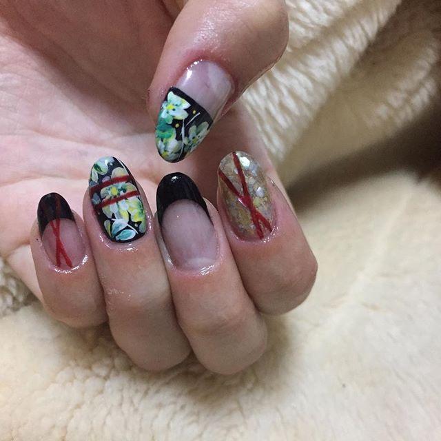 お花の書き方わからん 。゚(゚´Д`゚)゚。お花上手な人のセミナーいきたい  #nail #nailart #Flower #flowernails #セルフネイル #ネイル #花柄ネイル