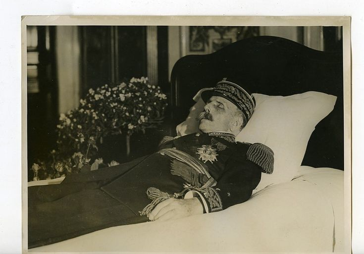 A french general on his deathbed