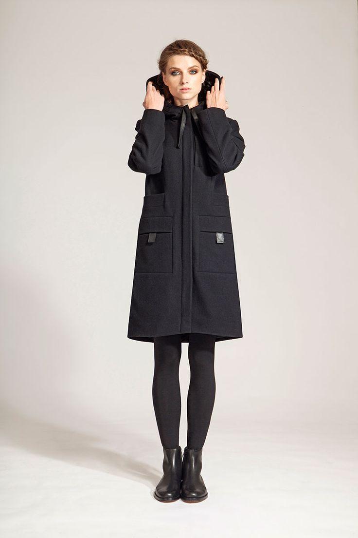 IMRECZEOVA FW16 black wool hooded coat
