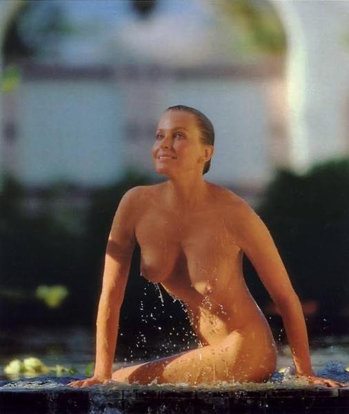 Sexy voluptuous nude latin women