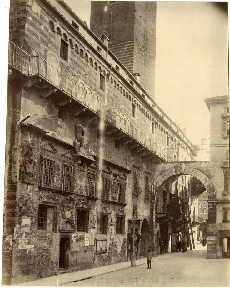 Italie, Verona Vintage albumen print.  Tirage albuminé  20x25  Circa 1880