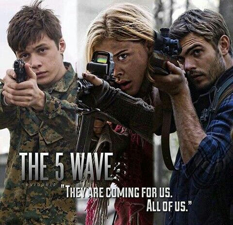 Cassie, Zombie and Evan | Instagram @theinfinitestar | #5thwavemovie