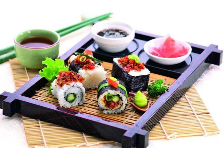Resep masakan jepang sushi spesial super Crunchy  http://www.sambarafood.com/2015/11/resep-masakan-jepang-sushi-spesial-super-crunchy.html