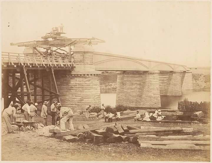 Constructing the bridge over the Nepean River in 1867.