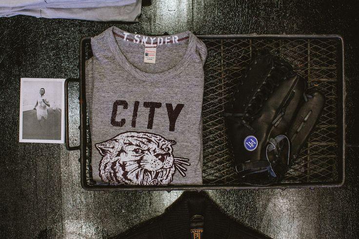 "Todd Snyder ""City Gym"" in NYC #retail #design"