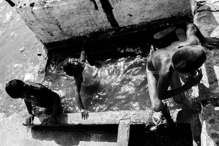 Dobromir water play 03 by Sebastian Sosin on 500px