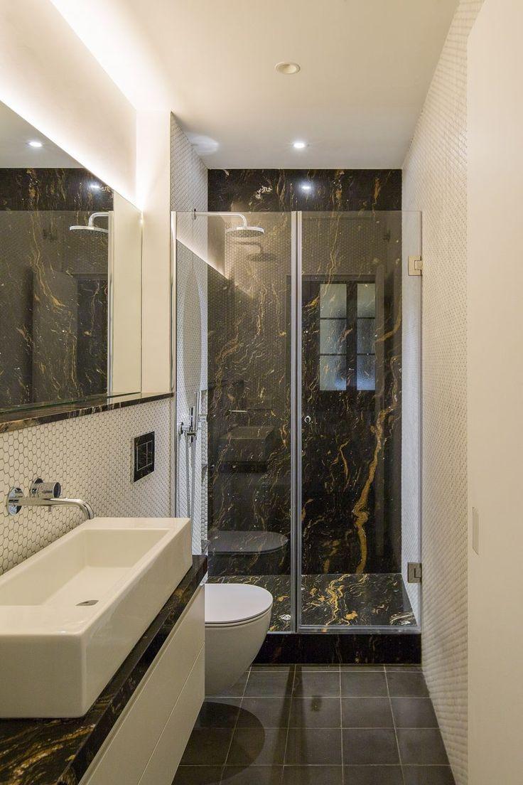 Nook Architects verwendet Spiegel, um den Raum in Barcelona Wohnung zu übertreiben