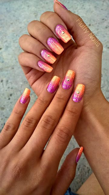 indian nail-art : gradient (ombre nails) + stamping using bundlemonster BM618