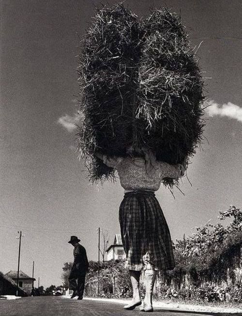 Jean Dieuzaide - Viana, Minho, Portugal, 1954.