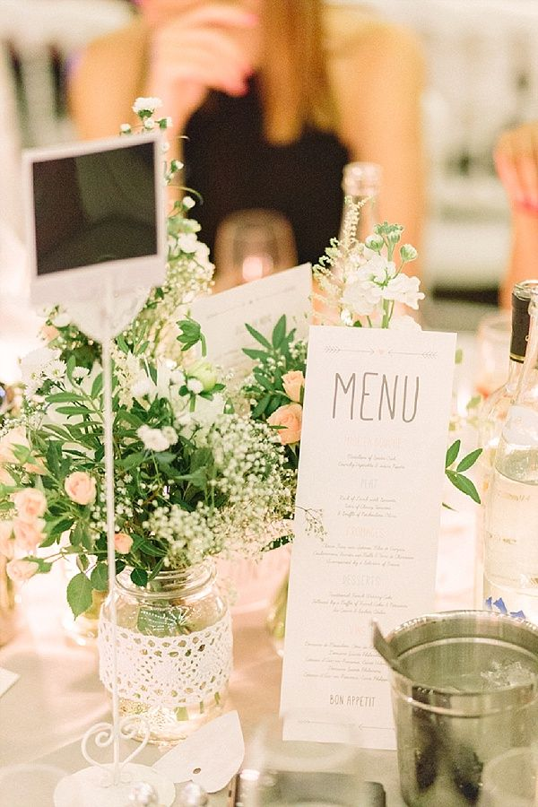 Simple, Pretty wedding table decorations | Image by Maya Marechal Photography