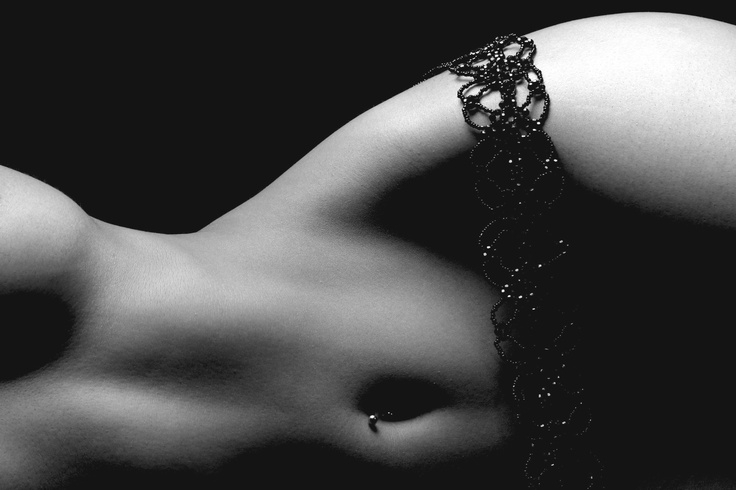 Boudoir - Photography - Portrait - Lingerie - Black and White - Pose Idea / Inspiration