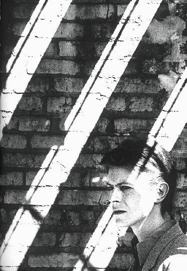 Anton Corbijn, David Bowie, chicago -1980 on ArtStack #anton-corbijn #art