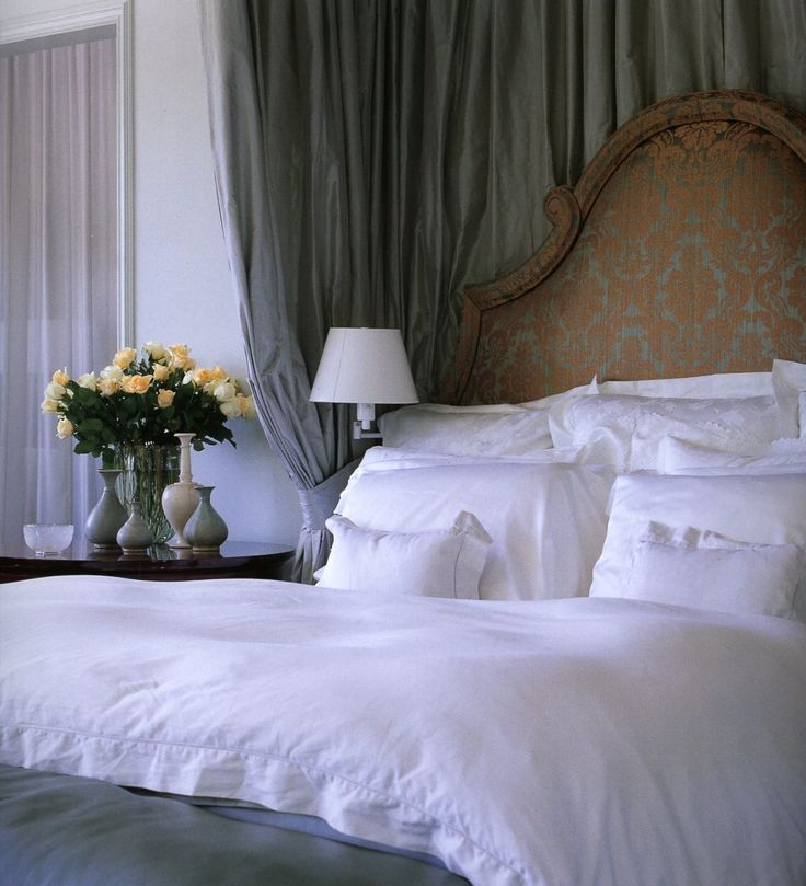 vicente wolf: Headboards, White Linens, White Beds, Master Bedrooms, Beds Linens, South Shore Decor, Bedrooms Decor, Decor Blog, Beautiful Bedrooms