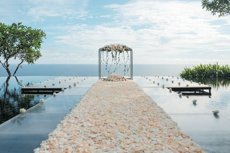 intimate wedding of Raymond Chen & Cecillia Li at Bulgari resort