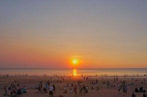 Magnificent sunset at Mindil Beach Sunset Markets. Enjoy a great laksa on the beach.