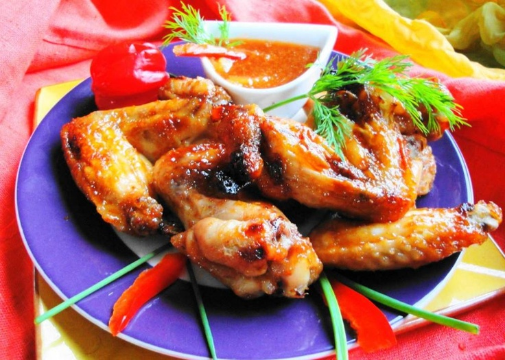 Chicken Wings Paramaribo (zoet-zure kippenvleugels met ananas chutney)