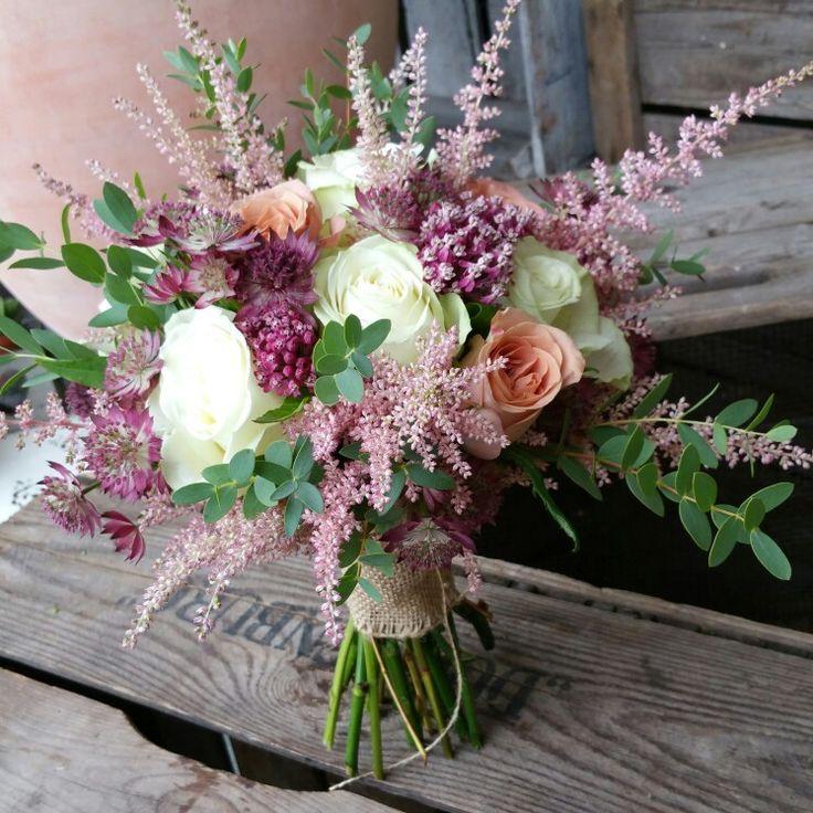Gorgeous natural style wedding bouquet www.tippettsflorist.com