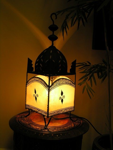Moroccan henna and iron table top lamp. http://www.maroque.co.uk/showitem.aspx?id=ENT06306&s=20-30-191