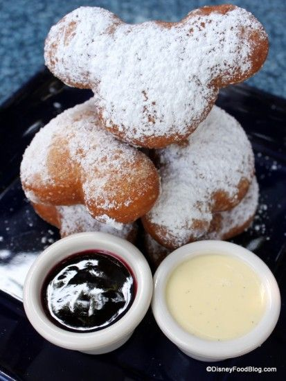 Mickey Beignets at Ralph Brennan's Jazz Kitchen in Disneyland -- These look amazing.