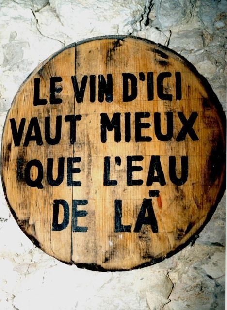 Le vin d'ici vaut mieux que l'eau de la (calembour) wine | champagne | spirits | quote | wineyards | cellar | inspiration | lifelover | french