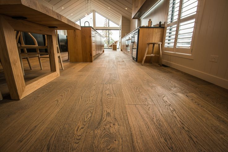 Panorama Tce Apartment Tobacco Grey Plaza #contemporarylivingroom #darkwood #engineeredwoodflooring #flooring #handscrapedflooring #hardwoodflooring #KitchenFloors #livingroomdarkwood #livingroomflooring #modernlivingroom #modernlivingroomfloor #modernsolidwood #oak #oaktrees #parquetflooring #rusticwood #warmmodernlivingroom #wideplankflooring #woodflooring Photo Credits: Niels Koervers #haroflooring #darkflooring #rusticfloors #kitchen #kitchenflooring
