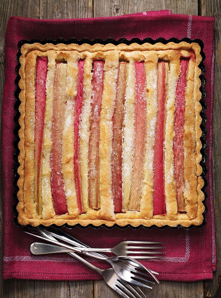 Recette de Ricardo de tarte amandine à la rhubarbe