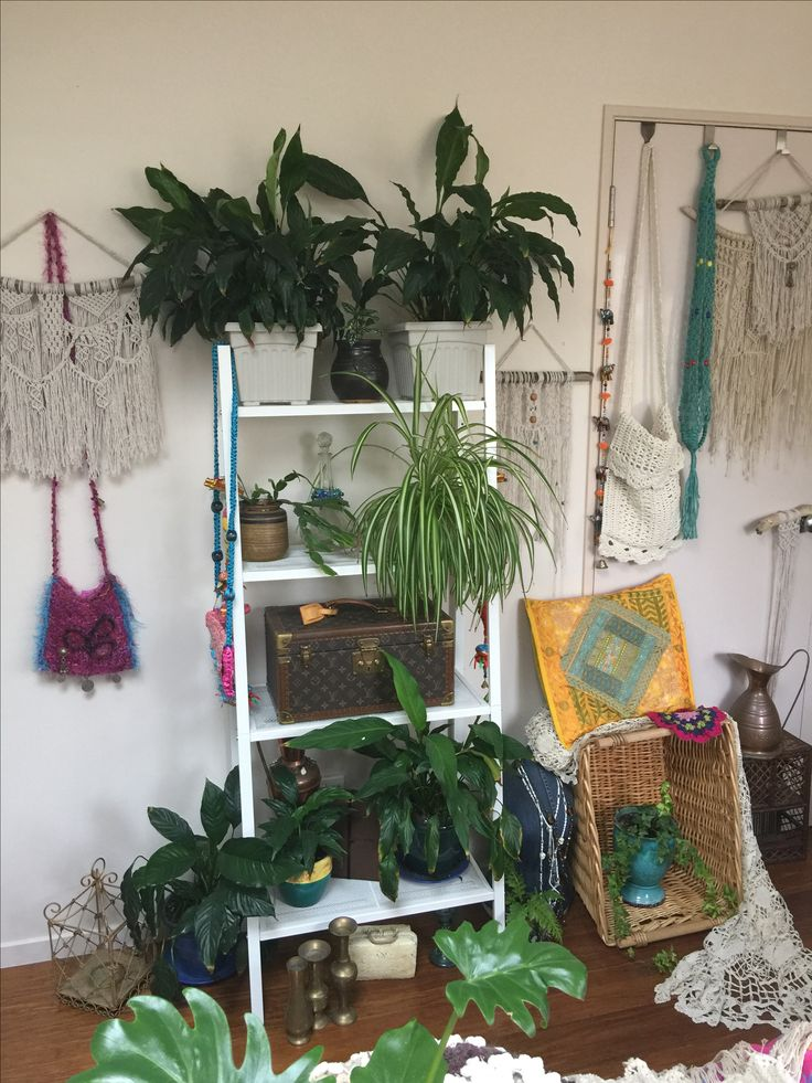 Boho Rooms , plants and boho Decorations  Instagram mrs_ma_ching #thisishowiboho
