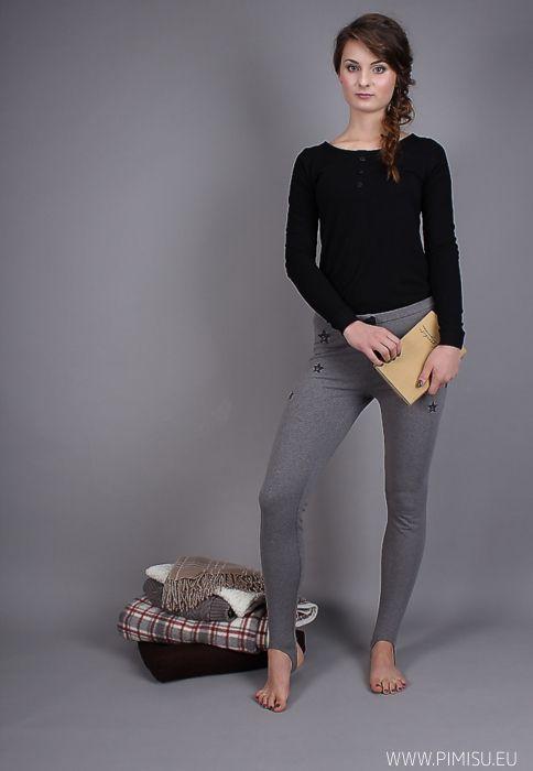 ★ longsleeve + legginsy z zapiętkiem ★Piękna bawełniana piżama. Melanżowy szary zestawiony z czarnym podkoszulkiem i czarnymi dodatkami. ✒stars, melange, t-shirt, black, leggings, pajama, night, print, pimisu ✒ gwiazdy, melanż, podkoszulek, leginsy, piżama, noc, nadruk