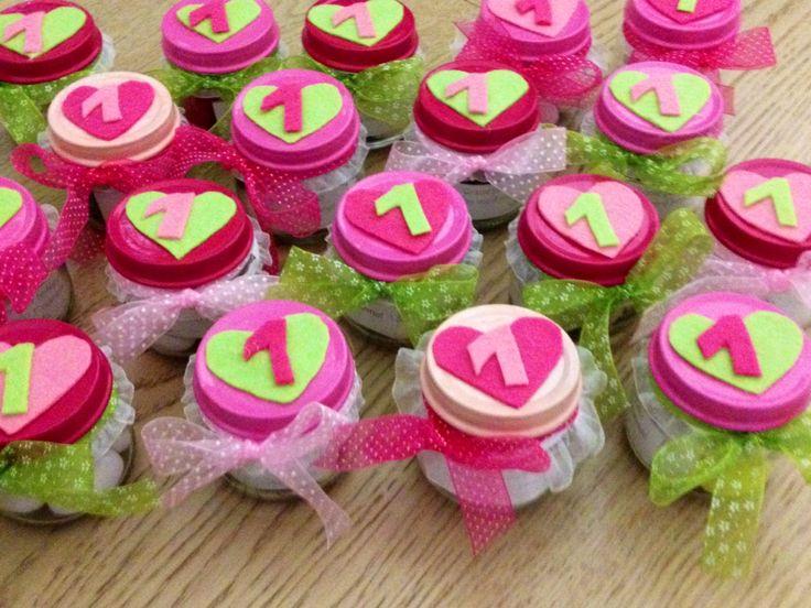 Bomboniere fatte per il  compleanno della mia piccola Greta, riciclando i vasetti degli omogeneizzati.