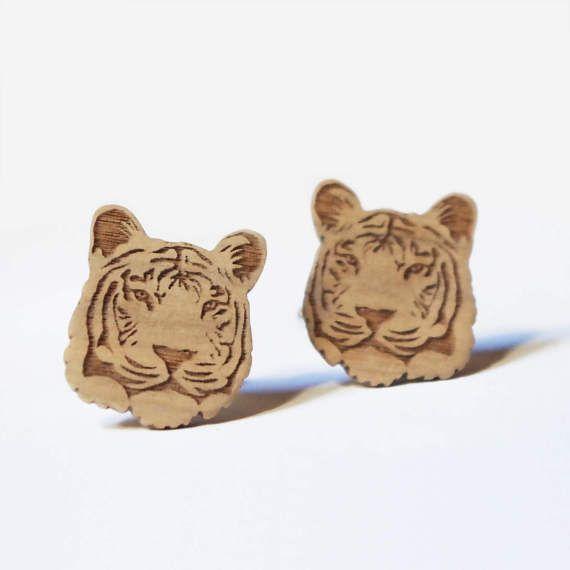 Gemelli con tigre in legno lavorati a macchina e di DARQCREATIONS