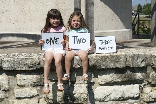 Pregnancy Announcement - Expecing Baby Number 3 with the older siblings