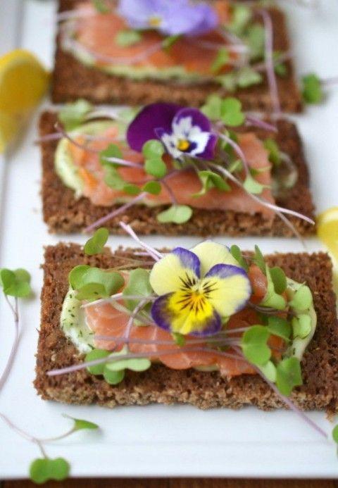 48 Delicious Edible Flowers Ideas For Your Wedding   HappyWedd.com